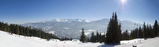 Panorama de las montañas de Tatra - visión desde Gubalowka Foto de archivo