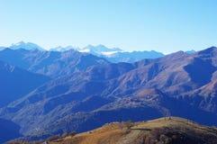 Panorama de las montañas occidentales y de Italia septentrional Foto de archivo