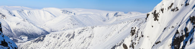 Panorama de las montañas septentrionales Imagen de archivo libre de regalías