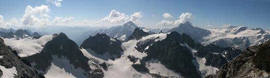 Panorama de las montan@as Imagen de archivo libre de regalías