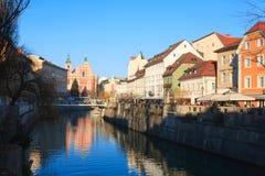 Panorama de Ljubljana del río de Ljubljanica Foto de archivo