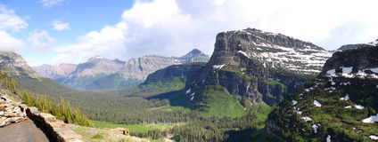 Panorama de Logan Pass imagens de stock royalty free