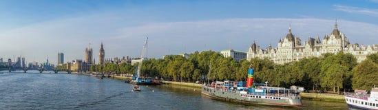 Panorama de Londres avec Big Ben en Angleterre, R-U images stock