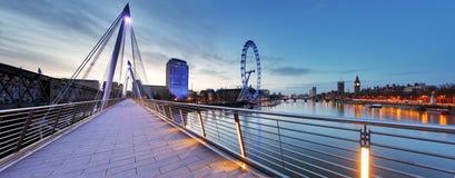 Panorama de Londres en la noche fotografía de archivo libre de regalías