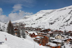 Panorama de los hoteles, Les Deux Alpes, Francia, francesa Fotos de archivo