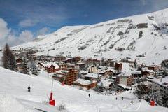 Panorama de los hoteles y del Hils, Les Deux Alpes, Francia, francesa Imagen de archivo libre de regalías