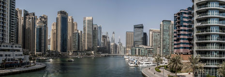 Panorama de marina de Dubaï dans les émirats Photos stock