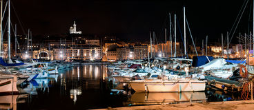 Panorama de Marseille, France la nuit, le port Photographie stock