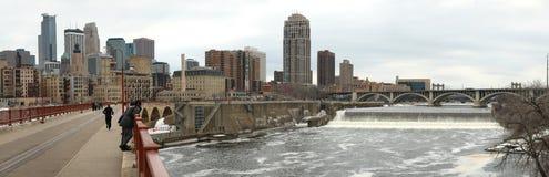 Panorama de Minneapolis du centre aux Etats-Unis Images stock