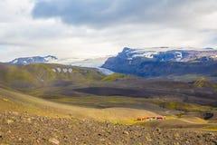 Panorama de montañas islandesas Imagen de archivo libre de regalías