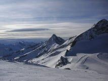 Panorama de montagne d'hiver en Autriche Photos libres de droits