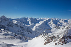 Panorama de montagne dans les Alpes de Stubai image stock