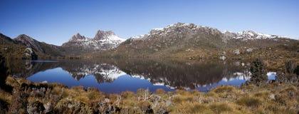 Panorama de montagne de berceau images stock