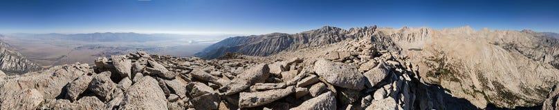 Panorama de montagne de 360 degrés Photographie stock libre de droits