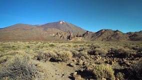 Panorama de montagnes de secteur de vulcano de Teide banque de vidéos