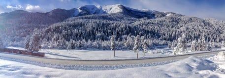Panorama de montanhas de Cáucaso Imagens de Stock Royalty Free