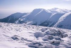 Panorama de montanhas rochosas no inverno fotografia de stock royalty free
