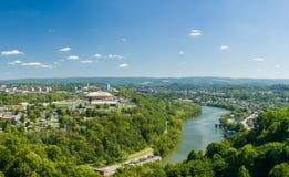 Panorama de Morgantown y de WVU en Virginia Occidental Imágenes de archivo libres de regalías