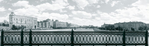 Panorama de Moscú tomado del puente de Novoarbatsky Imágenes de archivo libres de regalías