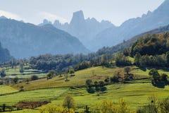 Panorama de Naranjo de Bulnes Foto de archivo libre de regalías