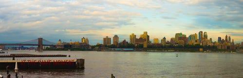 Panorama de New York no por do sol Imagem de Stock Royalty Free