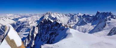 Panorama de nordeste de Aiguille du Midi Imágenes de archivo libres de regalías