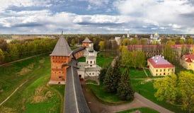 Panorama de Novgorod el Kremlin con la altura, Veliky Novgorod Imagen de archivo libre de regalías