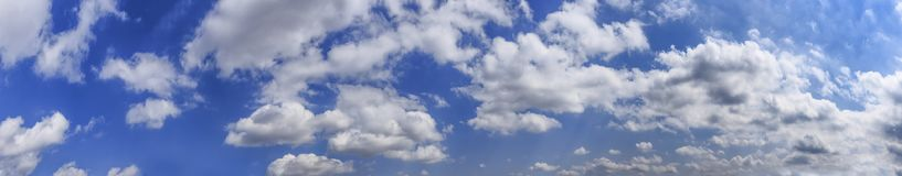 Panorama de nuvens de Cumulus Imagem de Stock Royalty Free