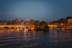Panorama de París Imagen panorámica de la orilla de París durante salida del sol Imagenes de archivo