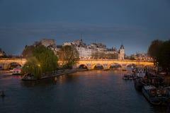 Panorama de París Imagen panorámica de la orilla de París durante salida del sol Foto de archivo libre de regalías
