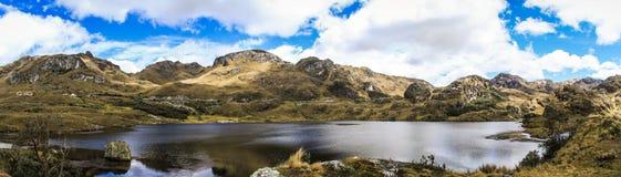 Panorama de parc national de Cajas, à l'ouest de Cuenca, l'Equateur Images stock