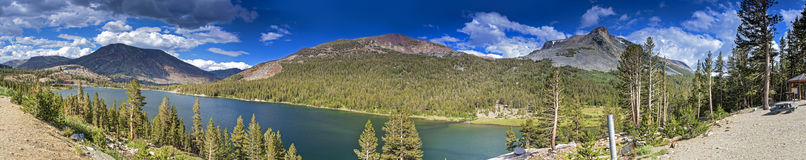 Panorama de parc national de Yosemite en Californie, Etats-Unis Photographie stock libre de droits
