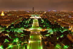 Panorama de Paris la nuit Photographie stock libre de droits