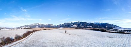 Panorama de pays d'hiver Photo stock
