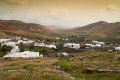 Panorama de paysage de Lanzarote de village de Femes de vue aérienne image libre de droits