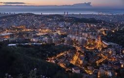 Panorama de paysage urbain de Barcelone au lever de soleil Image libre de droits