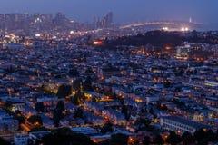 Panorama de paysage urbain de San Francisco avec la vue du dist financier photos stock