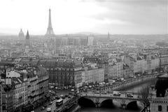 Panorama de photo noire et blanche de Paris photos stock