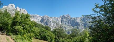 Panorama de Picos de Europa imagem de stock royalty free