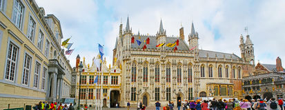 Panorama de place de Burg à Bruges image stock