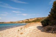 Panorama de plage de cimetière à la crique d'Anzac dans le cimetière de plage de dinde de canakkale de Gallipoli Gelibolu Photographie stock