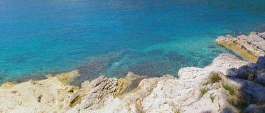 Panorama de plage rocheuse, bannière Images libres de droits