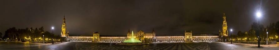 Panorama de Plaza de Espana na noite Sevilha, Spain Fotografia de Stock