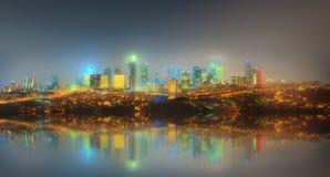 Panorama de pont d'Istanbul et de Bosphorus la nuit Images stock