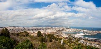 Panorama de port et de ville de Barcelone image libre de droits