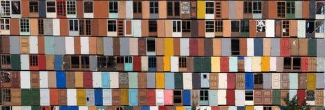 Panorama de portas velhas Imagem de Stock