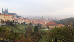 Panorama de Praga en el otoño Fotos de archivo libres de regalías