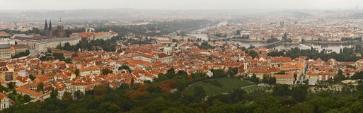 Panorama de Prague. Terminez la vieille ville Images libres de droits