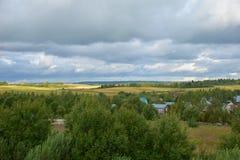 Panorama de pueblos, distrito de Sergiev Posad, región de Moscú, Rusia Foto de archivo