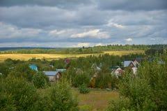 Panorama de pueblos, distrito de Sergiev Posad, región de Moscú, Rusia Fotos de archivo